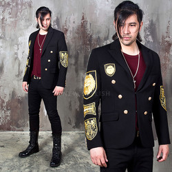 gold wappen black jacket
