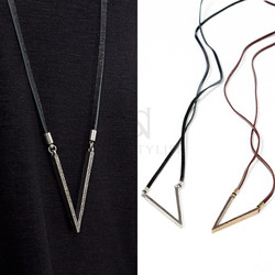 V shaped charm leather strap necklace
