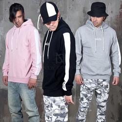 Sleeves contrast kangaroo hoodie