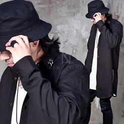 Pierced collar side zipper black long shirts