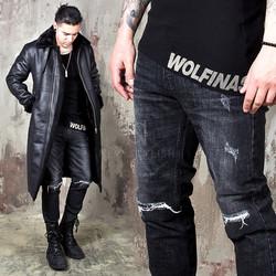 Distressed washed knee cut slim jeans