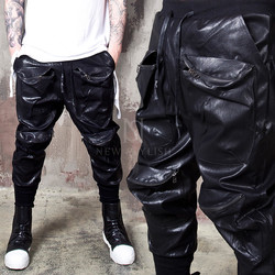Multiple zippered pocket leather bending pants