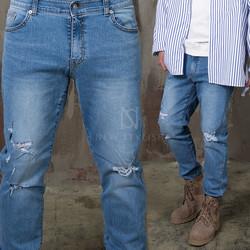 Distressed scratch simple jeans