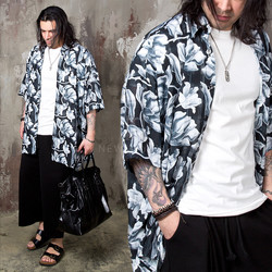 Mono flower patterned boxy shirts