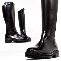 Long side zipper accent sharp long boots