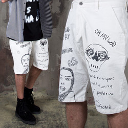 Unique scribble printed denim baggy shorts - 99