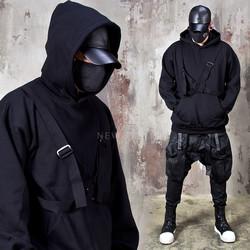 O-ring strap black hoodie