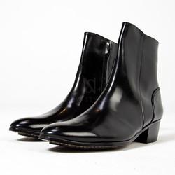 Black plain toe high heel ankle boots