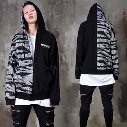 Half camouflage contrast zip-up hoodie