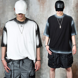 Grunge line contrast t-shirts