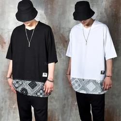 Contrast bandanna bottom hem t-shirts