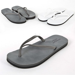 Two tone outsole flip flop
