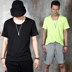 Simple U-neck t-shirts