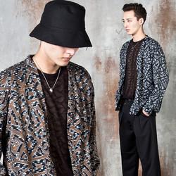 Crack patterned knit cardigan
