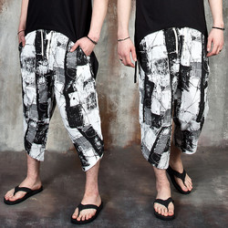 Distressed ink patterned capri baggy pants