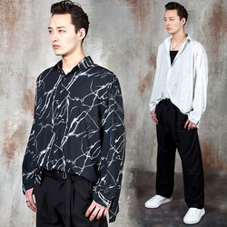 Crack patterned loose-fit shirts