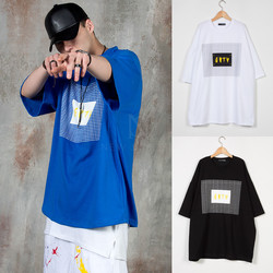 Contrast lettering square printed t-shirts
