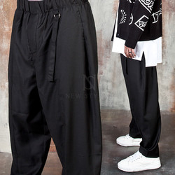 Ring strap wide baggy pants