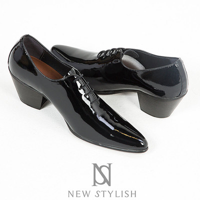 Black glossy enamel leather high heel shoes