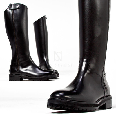 Long side zipper accent sharp long boots