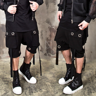 Multiple O-ring strap baggy cargo shorts