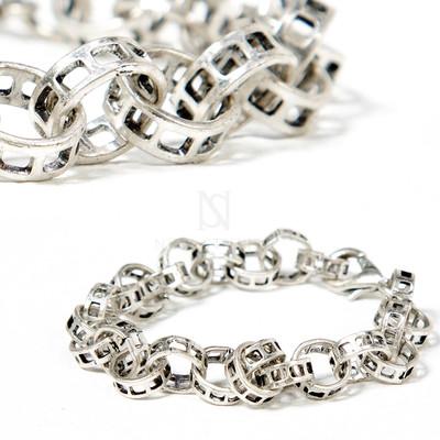 Holed ring chain bracelets
