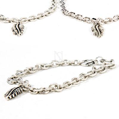 Leaf charm chain bracelet
