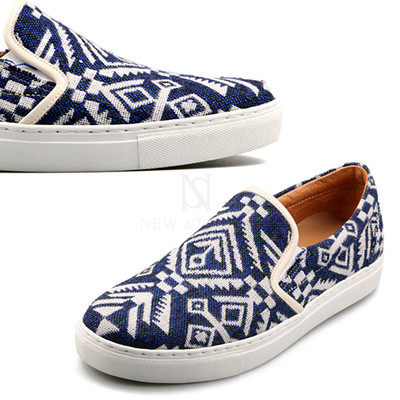 Natives pattern blue comfort slip-on