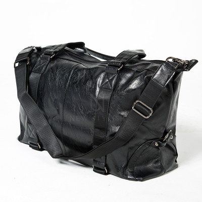 Double lined black leather boston bag