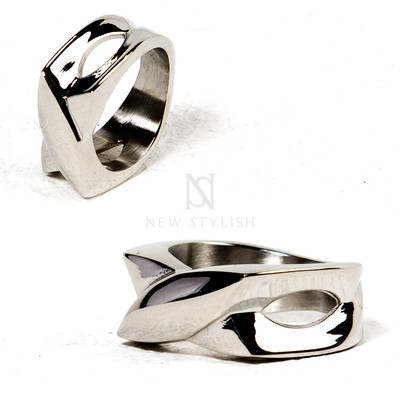 Uniquely shaped metal ring