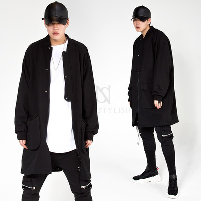 Snap button vent black long zip-up jacket