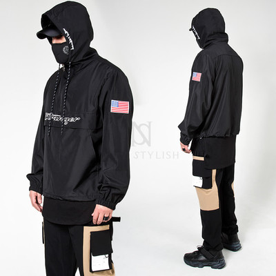 Lettering hooded anorak