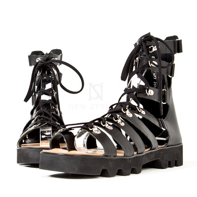 Zigzag outsole gladiator sandals