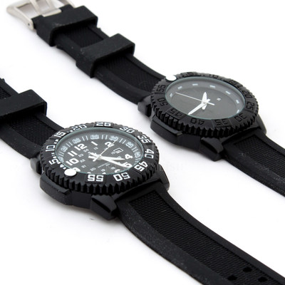 Black rubber band watch