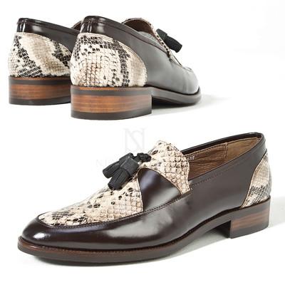 Snake pattern contrast tassel loafer