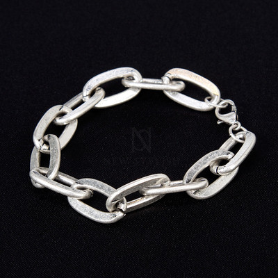 Distressed oval chain bracelet