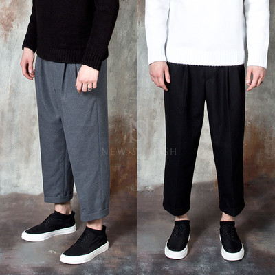 Simple wide pleated pants
