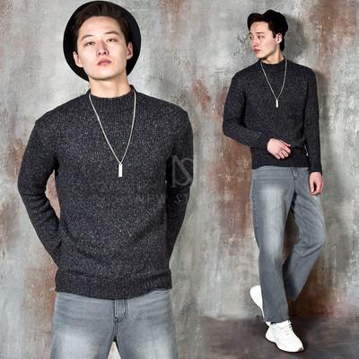 Basic round knit sweater