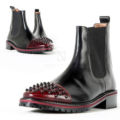Straight-tip spiked contrast toe leather chelsea boots