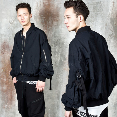 Sleeve strap air force jacket