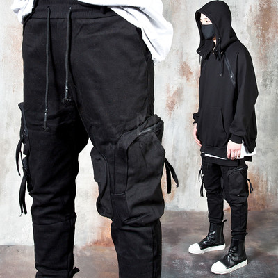 3D pocket black banded pants