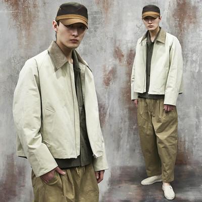 Contrast corduroy collar zip-up jacket