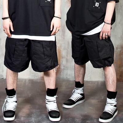 String cargo shorts